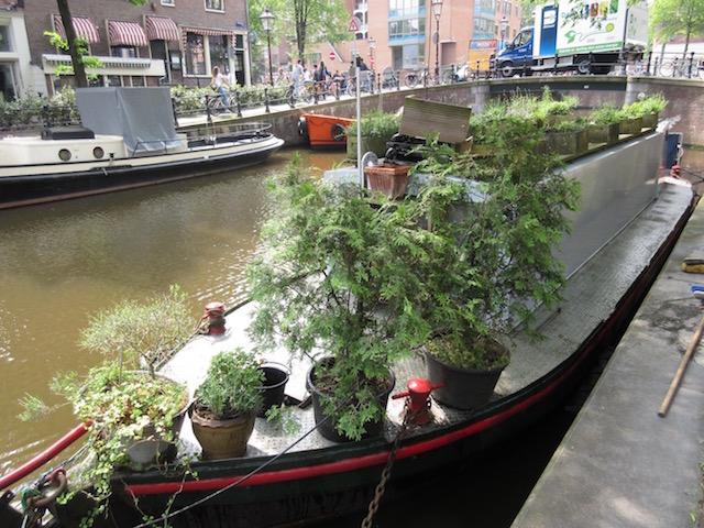 AmsterdamHouseboat2